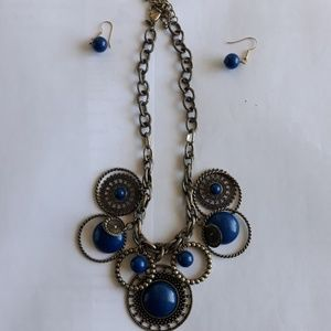 Jewelry - 2 piece necklace with earrings
